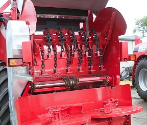 Hi-Spec: Spreader flails avoid costly damage