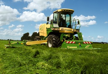 Krone: Added power and operator comfort on Big M400