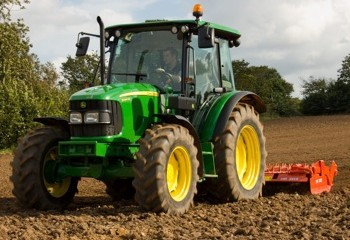 John Deere: 5E, 5G and 5M tractors unveiled