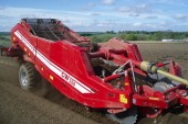 Grimme: New web separator for stony soils