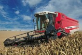 Massey Ferguson: ParaLevel combines take the slopes out of harvesting
