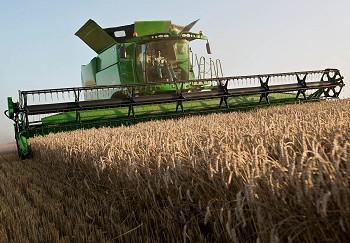 John Deere 100 Series >> John Deere: New S Series includes world's largest combine