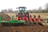 Kuhn: Multi-Master plough works on-land or in-furrow