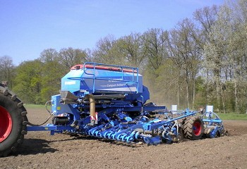 Lemken: Compact-Solitair with fertiliser placement now up to 6m wide