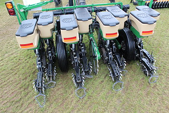 Simba Great Plains: Twin-row maize sowing raises yields