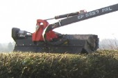 Kuhn: Wider flailhead for Poly-Longer hedge cutter