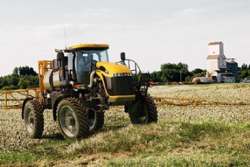 Challenger: Updated RoGator sprayers unveiled at Sima 2013