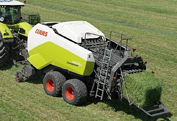 Case has introduced a revamped variable-chamber round baler range.