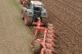Kuhn: Semi-mounted plough range extended