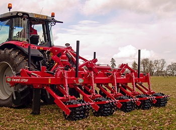 Opico: Folding five-leg grassland subsoiler for larger tractors