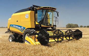 New Holland: TC combine range completed with new four-strawwalker model