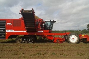 PMC: AR-4BX self-propelled potato harvester launched