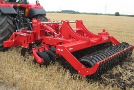 He-Va: New combination subsoiler and discs can be adjusted on the move
