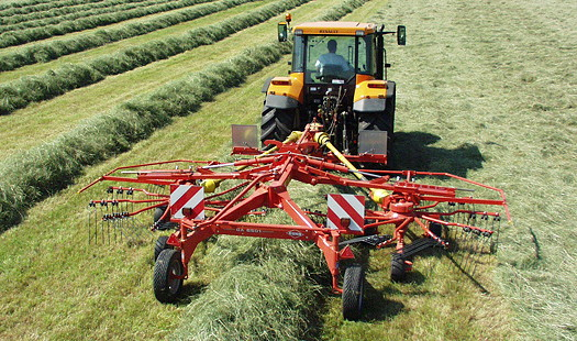 Kuhn Farm Machinery: Compact gyrorake extends range of silage making kit