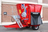 Weaving Machinery: Precision mixer feeder wagons from Peecon