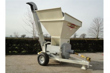 Kelvin Cave: Trailed version of KC Bruiser 600 launched for mobile grain rolling