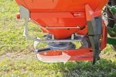 Kuhn Farm Machinery: Axmat fully automatic spreading adjustment