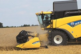 New Holland: Capacity-boosting Dual Stream header gets UK debut