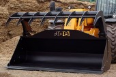 JCB: Versatile multi shovel for loading and handling