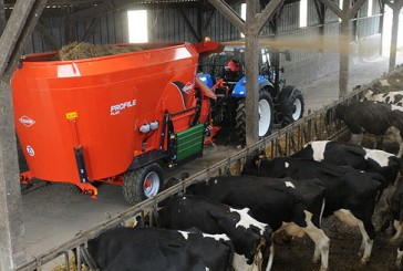 Kuhn: New mixer wagon has integrated bedding system