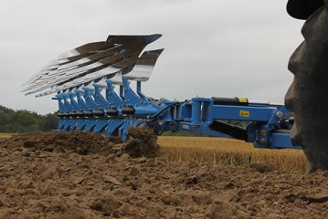Lemken: Diamant semi-mounted ploughs now feature OptiLine adjustment