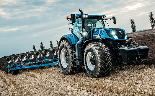 New Holland: T7.315 tractor wins Machine of the Year 2016 title