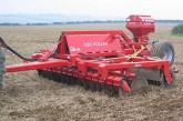 He-Va: Single-pass Disc Roller and Variocast for cover crop establishment
