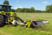 Claas: New model is the widest mounted mower on the market