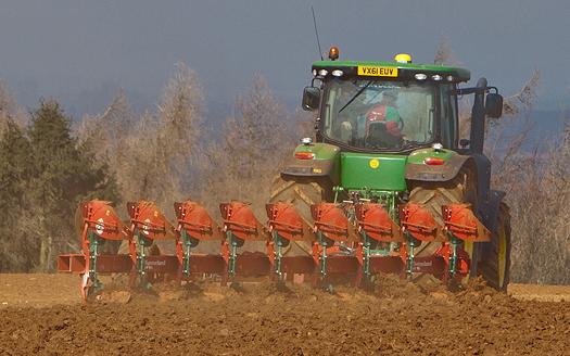 Kverneland: Plough range extended with PN/RN 100 models