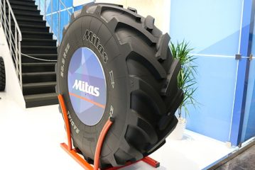 Mitas: Wheeled loader tyre makes farmers' lives easier