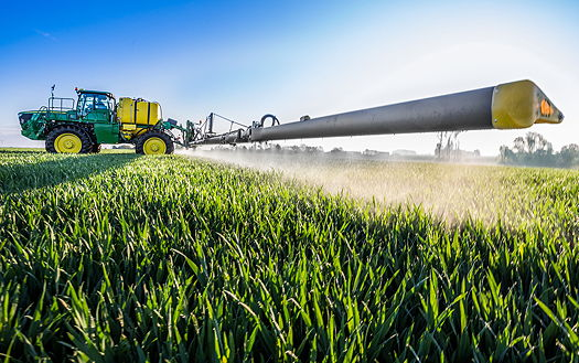 John Deere: Carbon fibre boom for new self-propelled sprayer