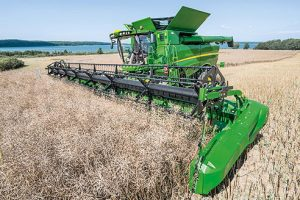 John Deere: New features on 2017 S-Series combines