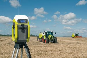 Claas: Unlimited automatic steering with RTK Field Base