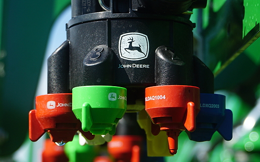 John Deere: Sima award for sprayer nozzle system