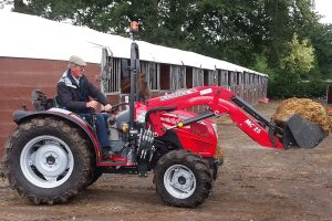 McCormick: MClassic loaders for X2 Series compact tractors
