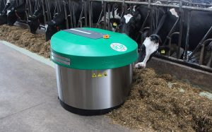 Joz: Moov robotic pusher uses transponder technology to move rations closer to cows