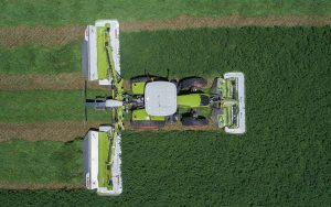 Claas: Record claimed for largest area mown in eight hours