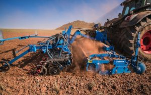 Lemken: New coulter bar and front hopper combination