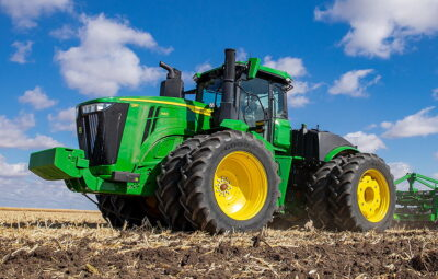 The new John Deere 9R540 offers up to 594hp, but five wheeled models are available offering up to 691hp.