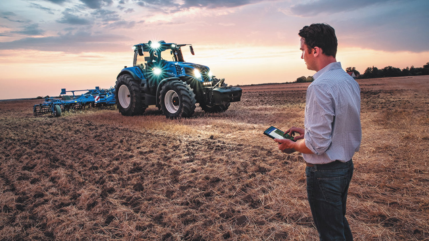 With the latest update to the MyPLM Connect Farm app, users have access to a wealth of field information when they select a map from the main map screen