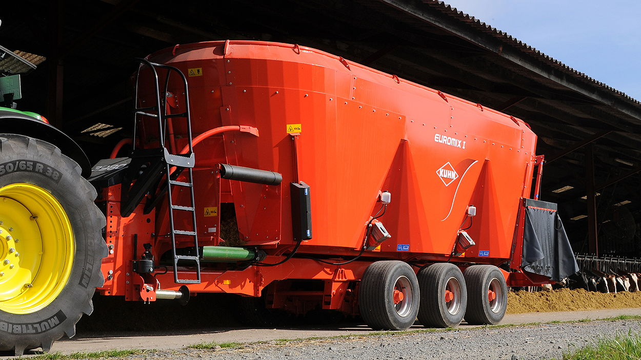 Kuhn has introduced the Euromix 3 CL, a triple vertical-auger diet feeder with cross-conveyor feed distribution