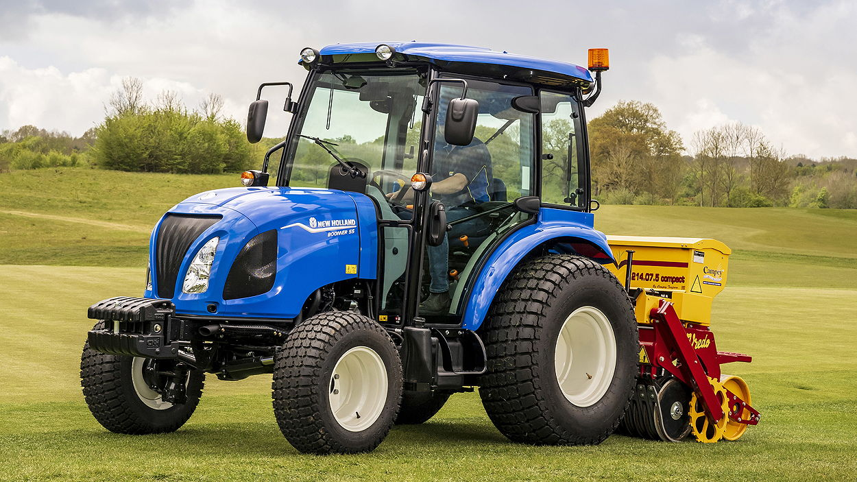The top-of-the range Boomer 55 offers 57hp in its new Stage V format