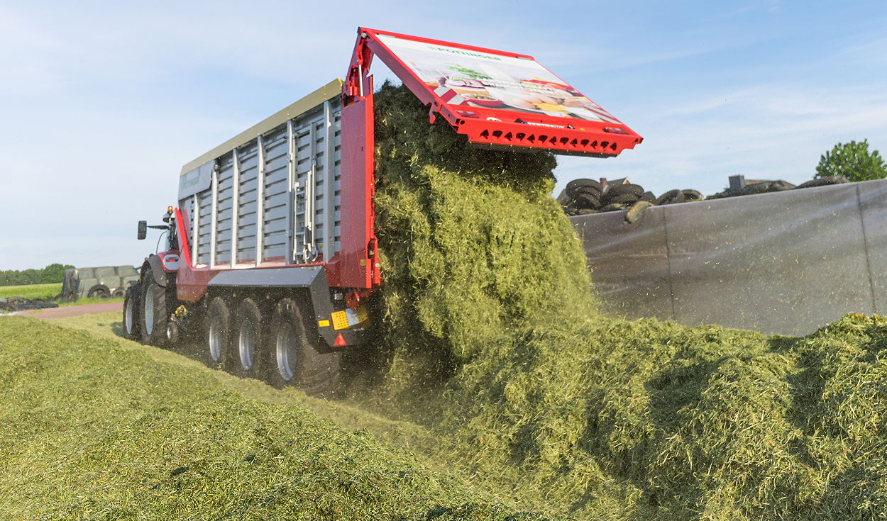 The latest Jumbo 7000 loader wagons can be emptied in just one minute