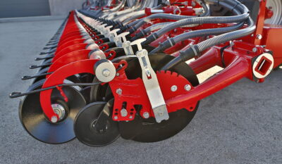 The SingleDisc seed coulters can be adapted individually to different conditions and provide precise seed placement for optimum growth