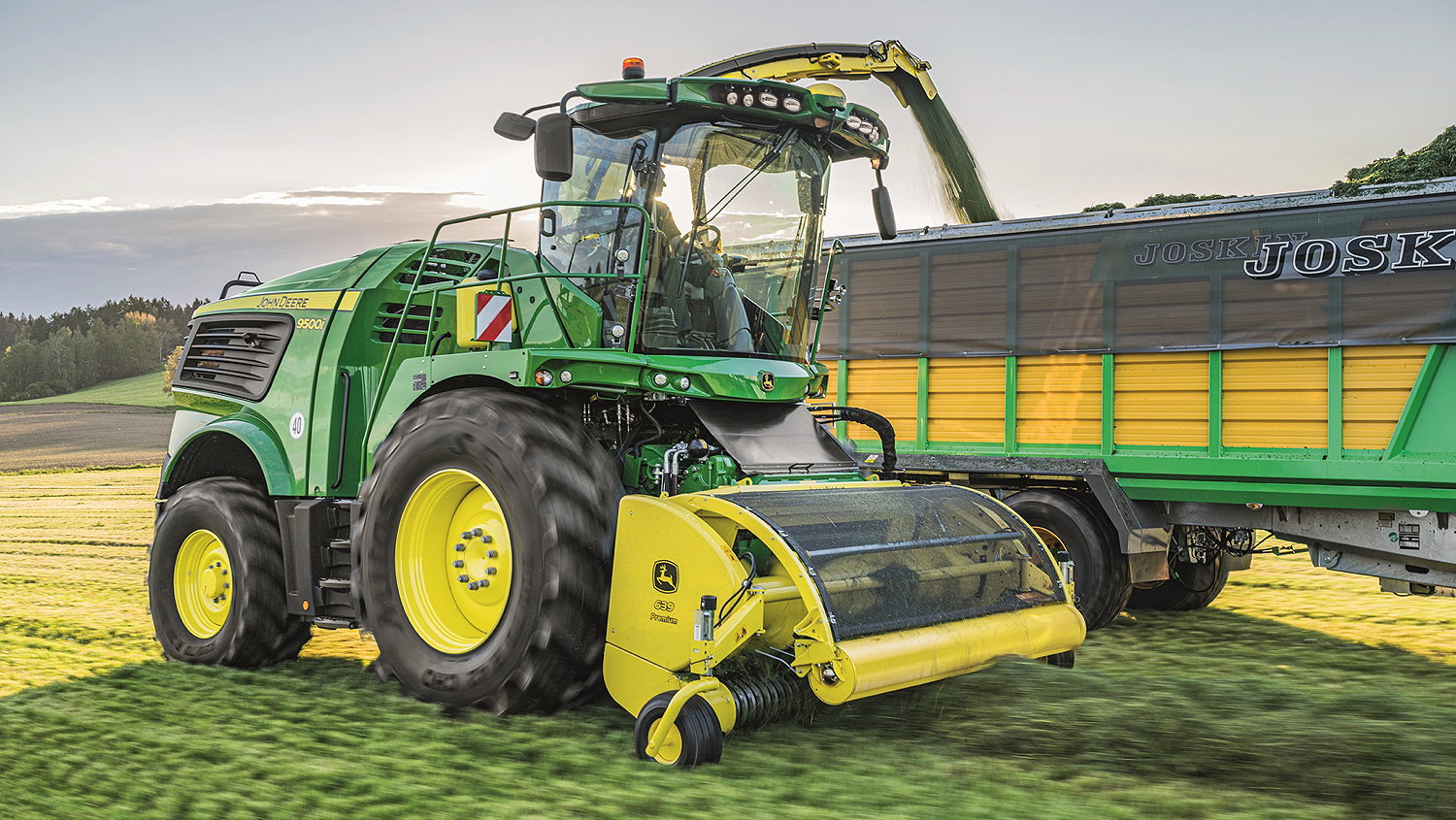 Deere's new 9500i self-propelled forager offers up to 76hp under load from its new JD18X diesel engine