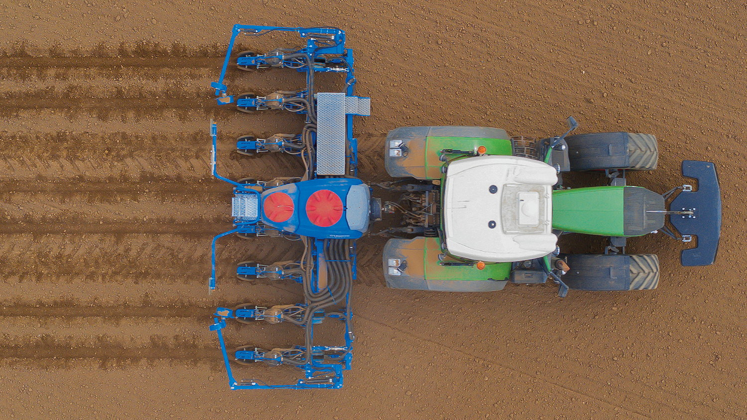 Lemken's new Azurit 10 features a number of benefits compared to the previous model