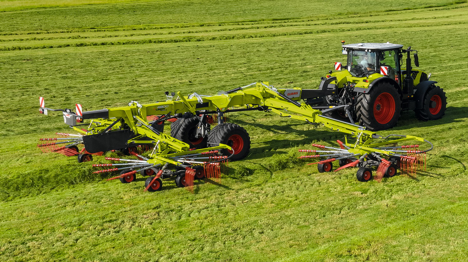 Claas has revealed an all-new range of four-rotor Liner rakes for 2022