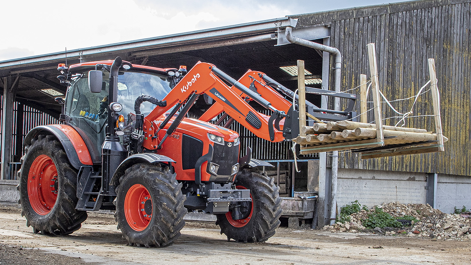 MX will supply loaders for Kubota's M-series models including the M4003, M5002, MGX-IV, M6002 and M7003