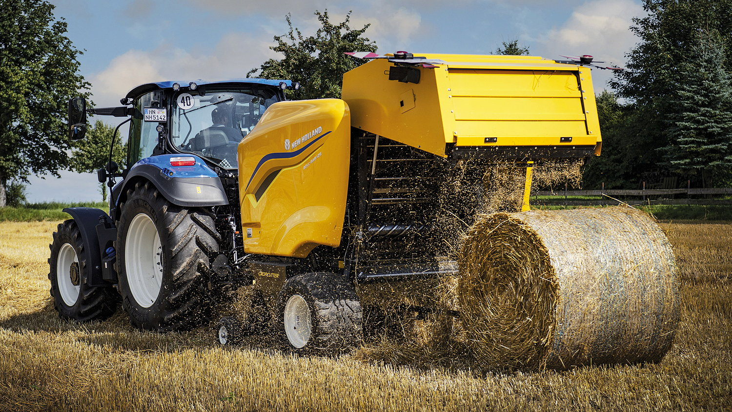 New Holland's new Roll Bar 125 fixed-chamber baler replaces the brand's best-selling BR6090 model