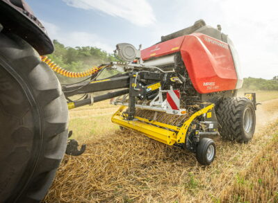 The new Pöttinger Impress 3190V Pro also performs well in straw
